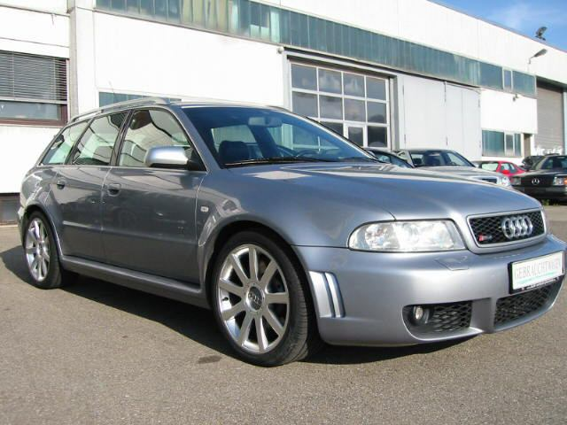 Audi_RS4_B5_right_side.JPG